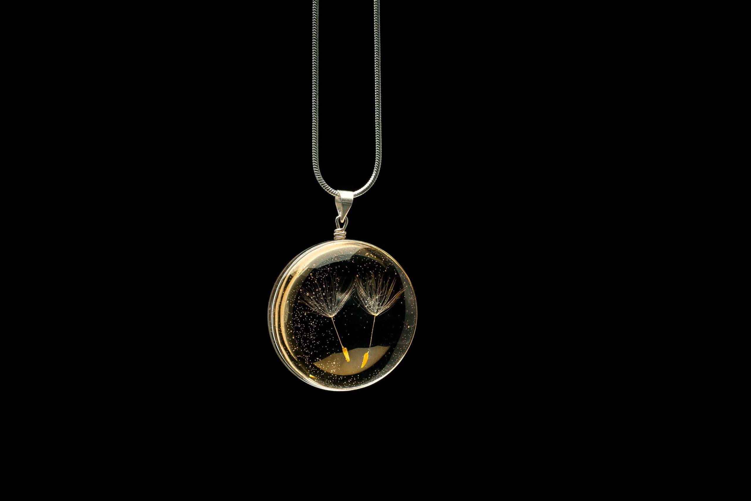 laura daili jewelry