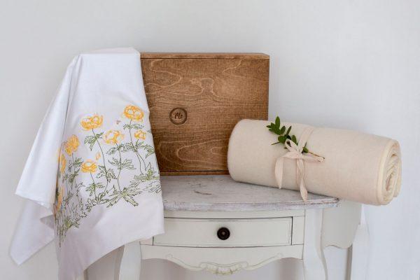 Sunny flowers MeadowMe produkti 10 Heritage Baby bedding set